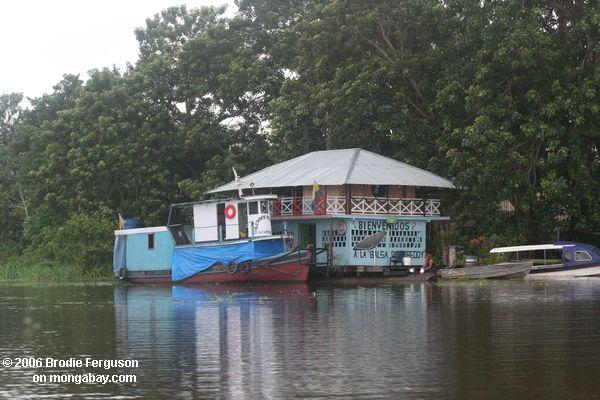 Amazonas houseboat Hotel im Kolumbianer rainforest