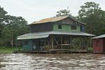 Floating homes along the Amazon near Leticia [br_co-0026]
