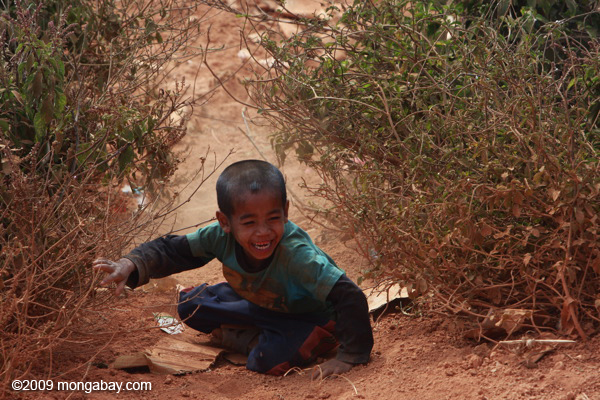 Children at play in Ban Keuocheb, a Lao village