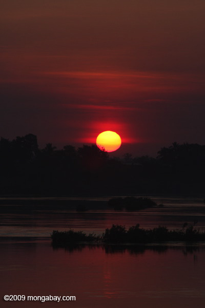 Sunrise over the Mekong in the '4000 islands'
